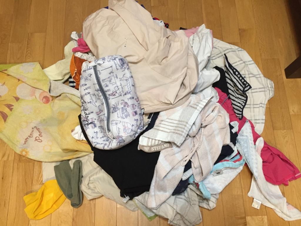洗濯物をそのまま取り込んだ図